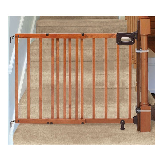 Summer Infant Deluxe Stairway Easy to Secure Wood Gate